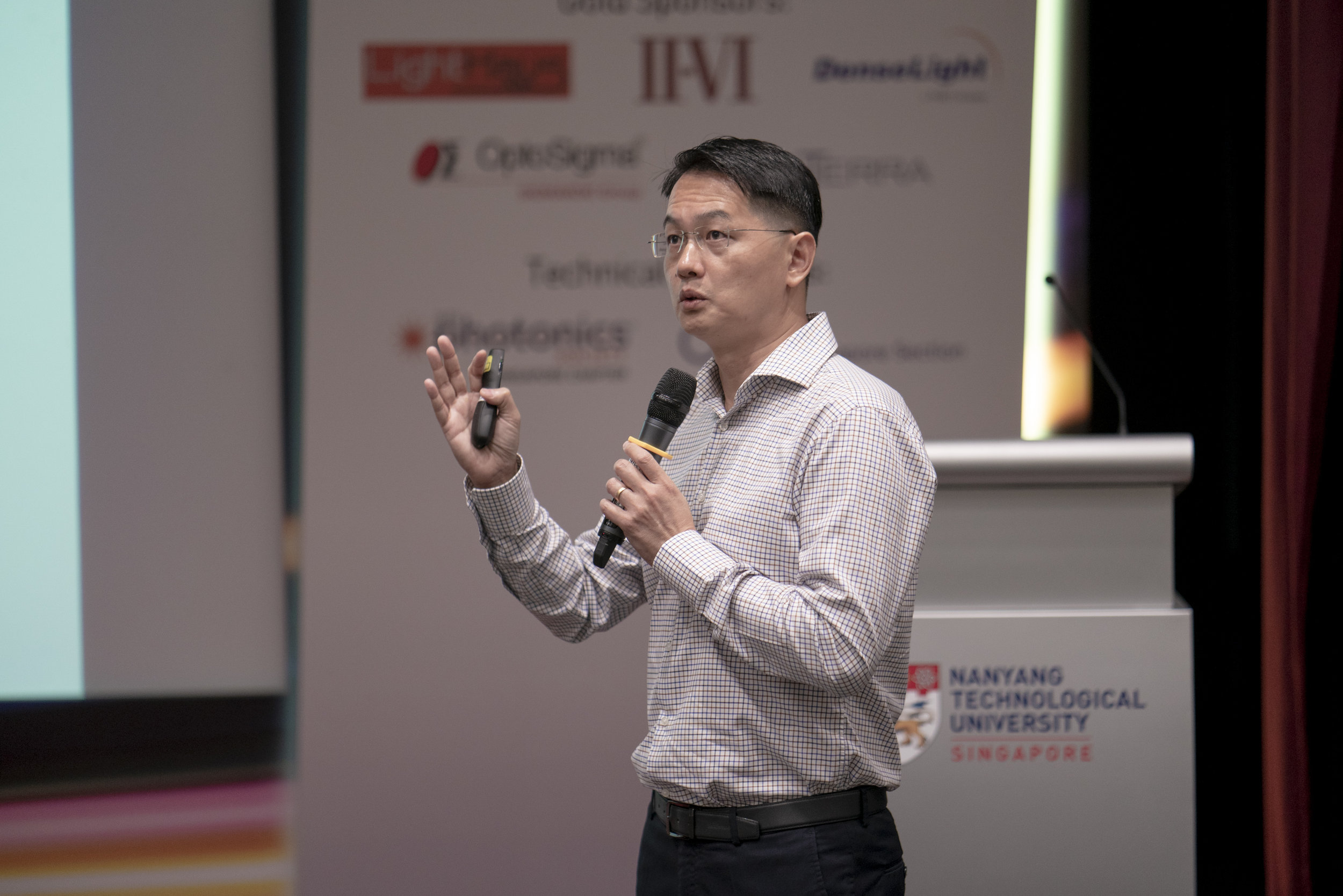 TPI Photonics SG 2018 Conference n Exhibition 0250rc.jpg