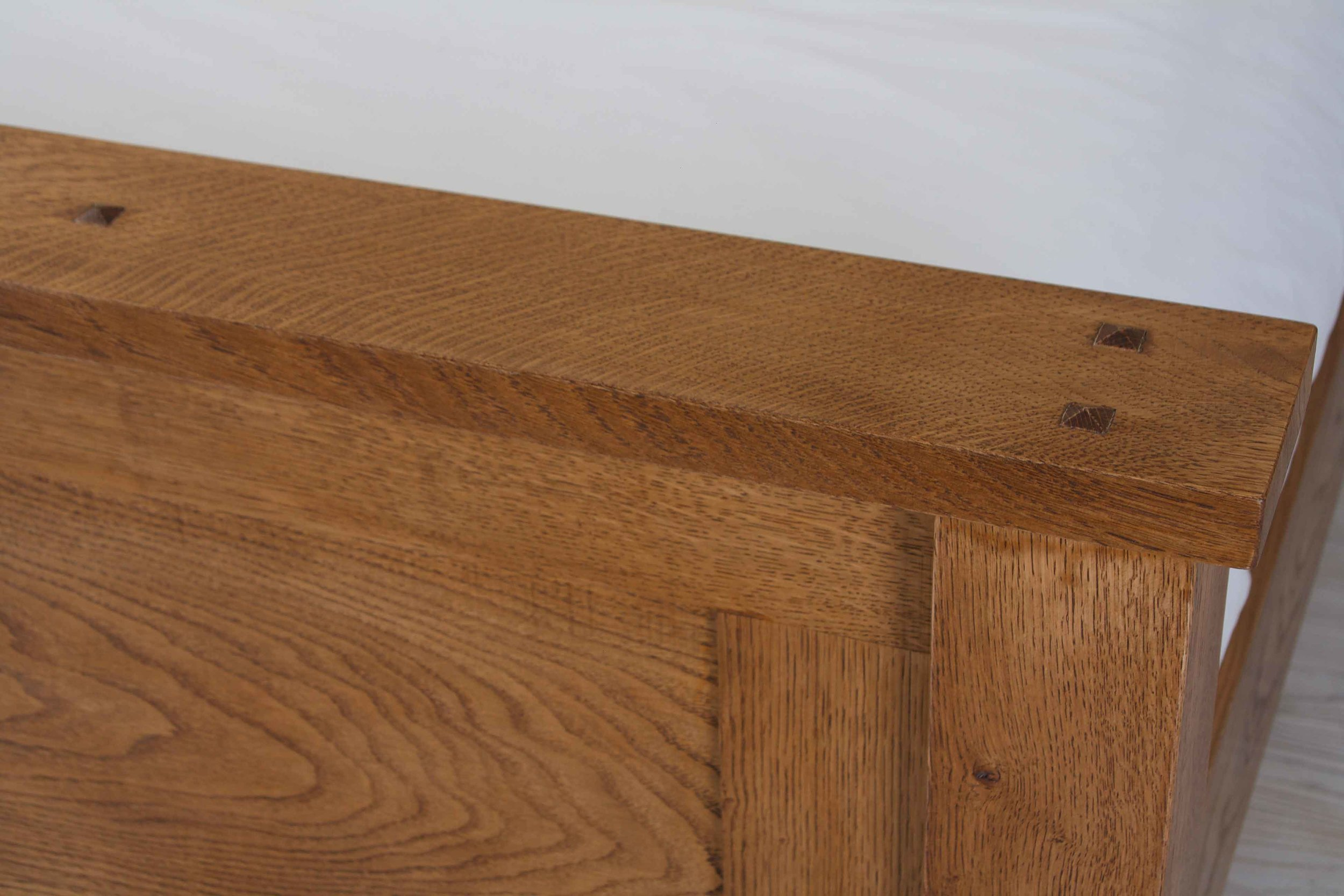 Oak-Panel-Bed-Bespoke-2.jpg