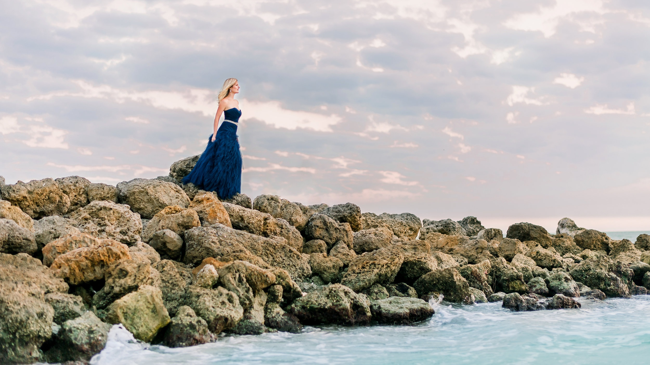 Beyond the Sea - A journey through Heather's life as a performer, traveling around the world, and finding love along the way. Heather weaves together the music from Broadway, Opera, and Pop to tell her personal story.