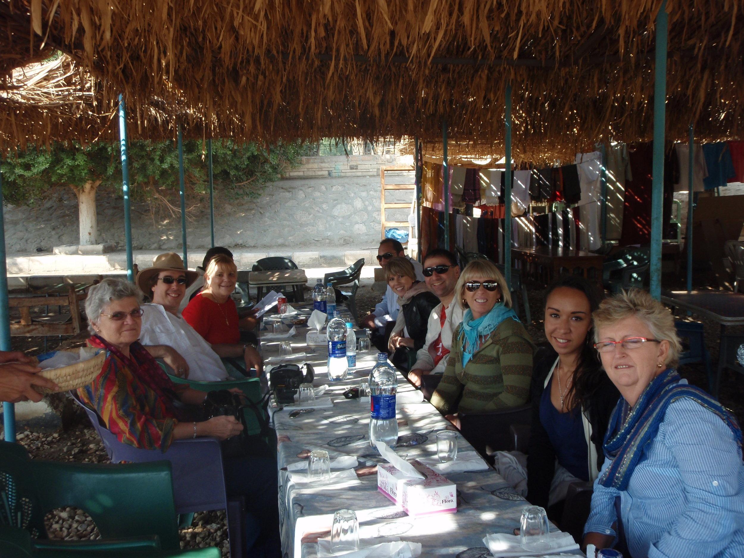 2009 Abydos lunch.JPG