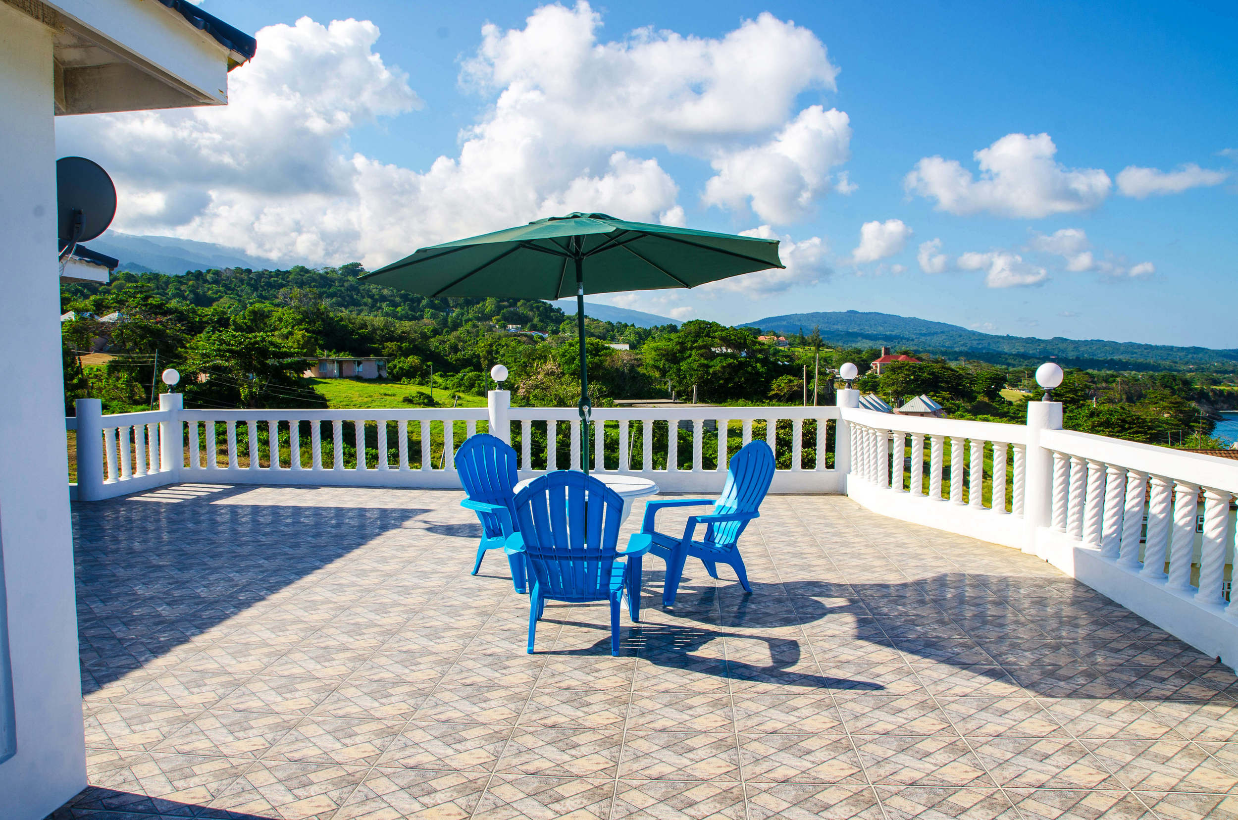 Relax with a cup of Jamaican coffee on the patio ...
