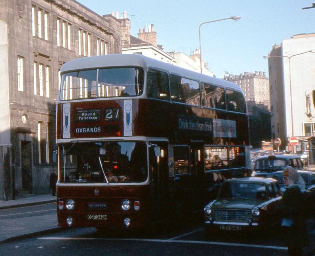 bus251a.jpg