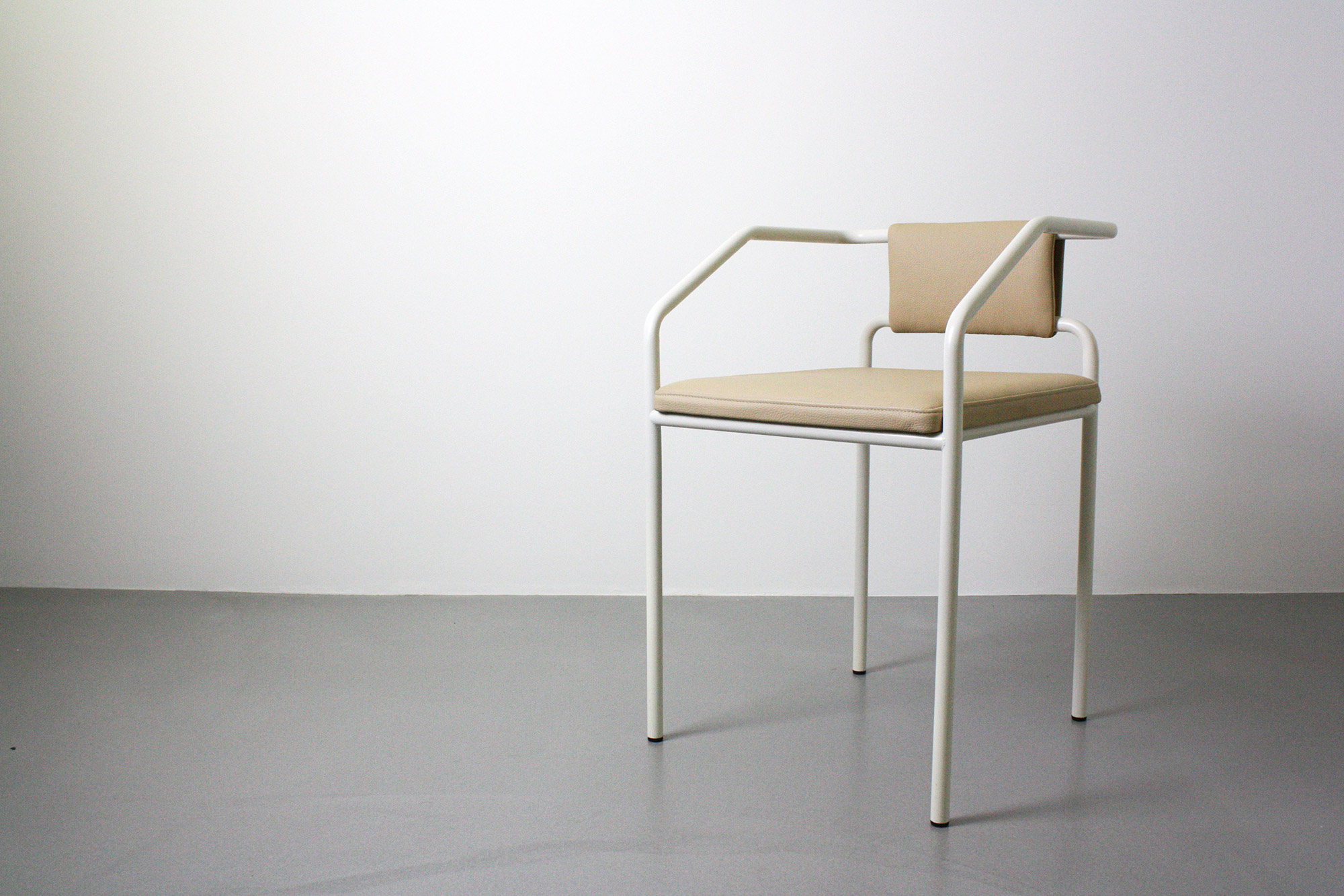 OBLIQUE - straight lines and neutral colours makes this piece a striking example of modern Danish furniture design.