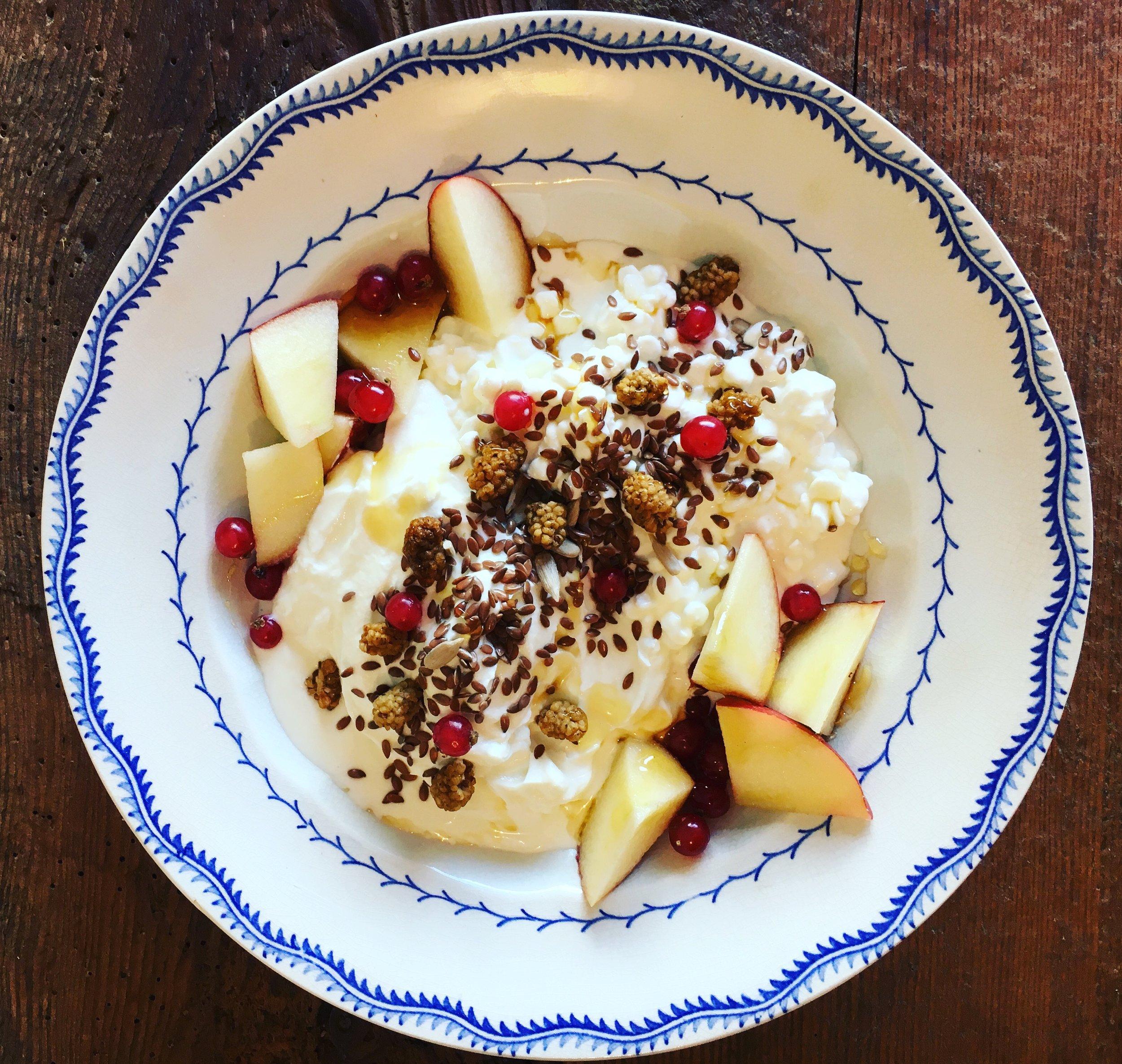 Skyr with flax seeds, mulberries & apple.JPG