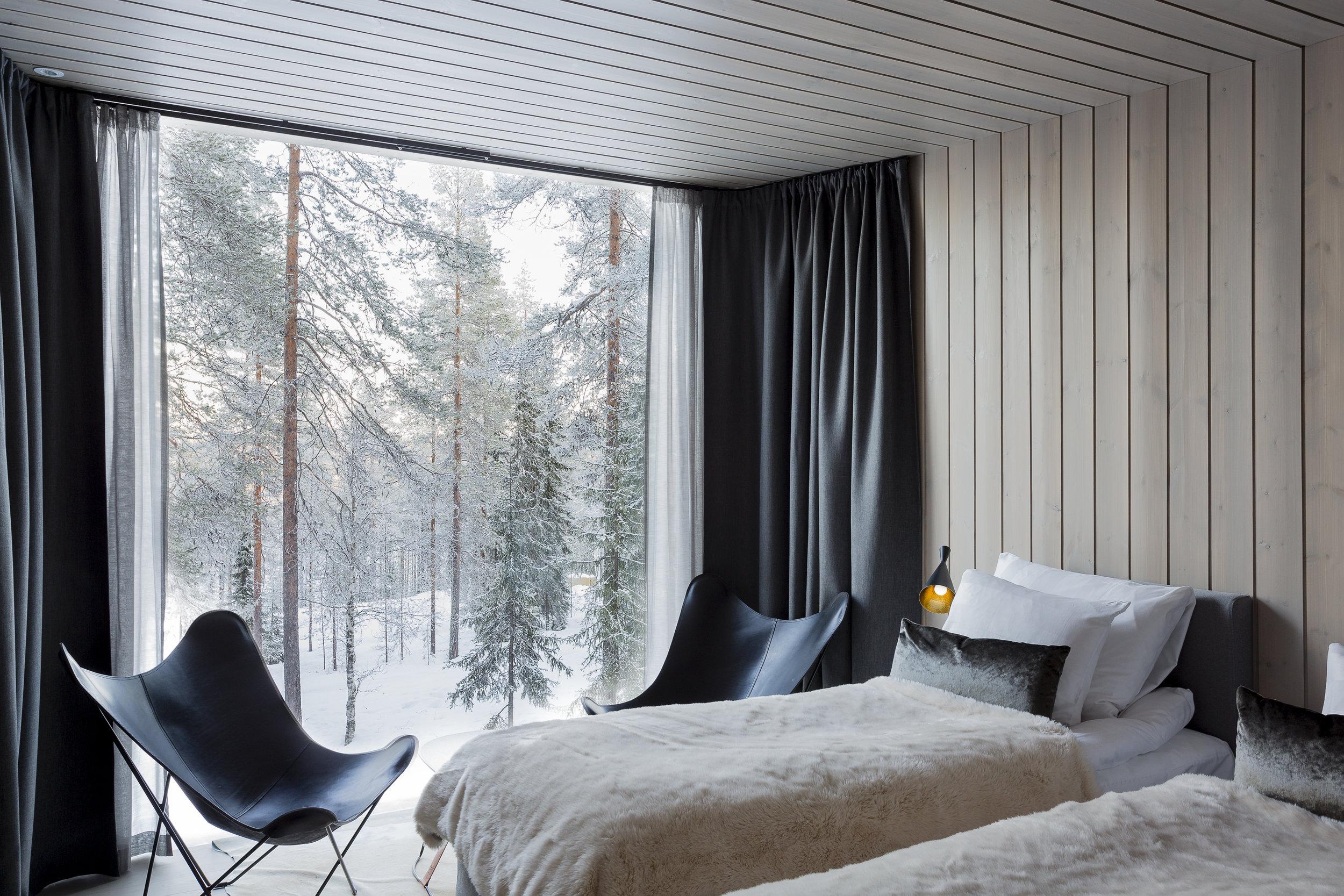 ARCTIC TREEHOUSE HOTEL_winter_Studio Puisto_photos Marc Goodwin (7).jpg
