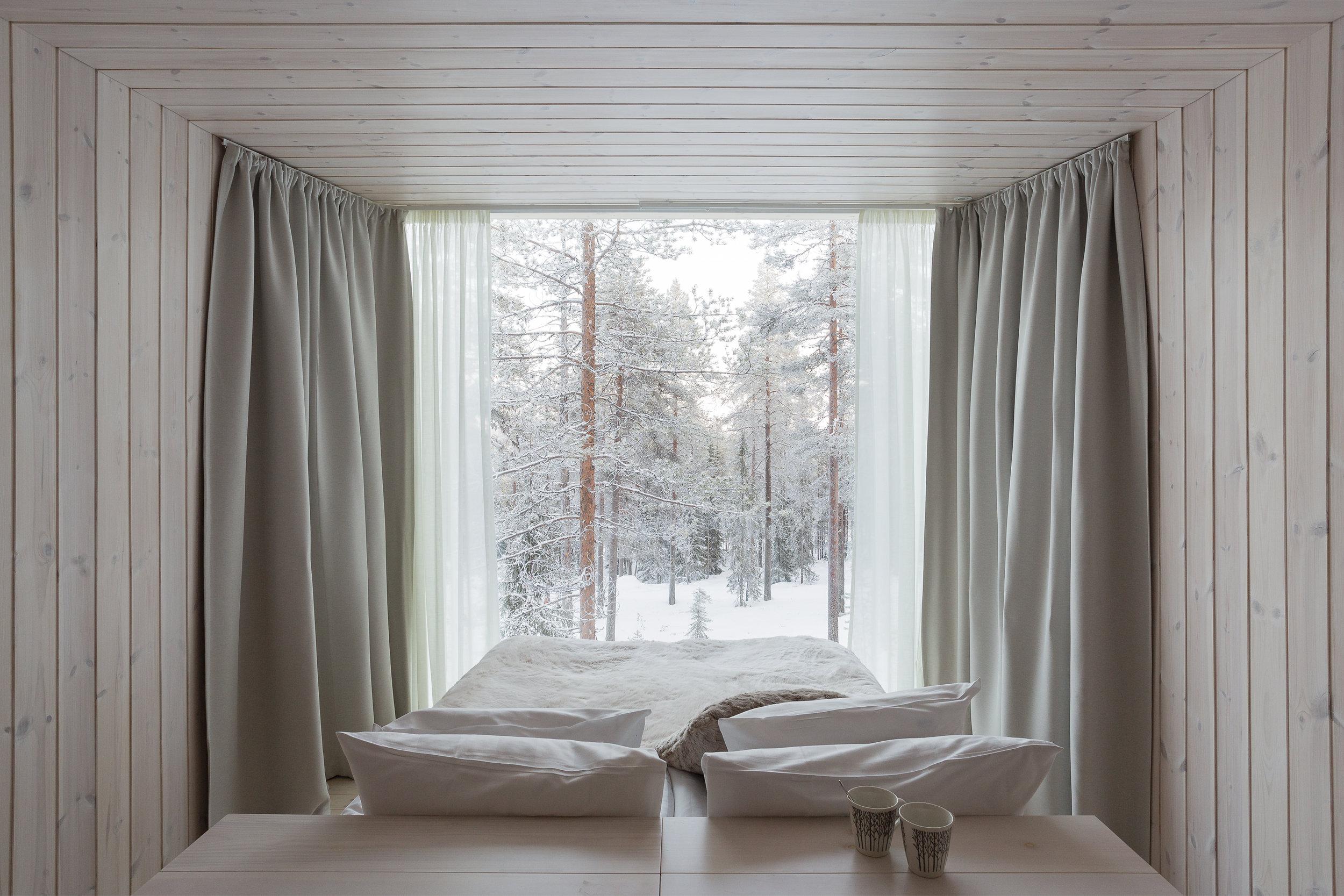 ARCTIC TREEHOUSE HOTEL_winter_Studio Puisto_photos Marc Goodwin (11).jpg