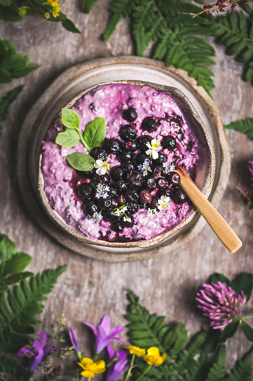 Creamy berry overnight oats 2.jpg