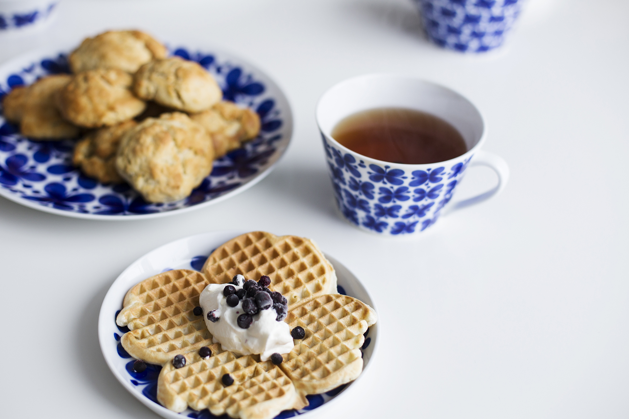 A big part of my life is to eat wonderful breakfasts! Here is one of my favourites: Waffles, Scones and tea.