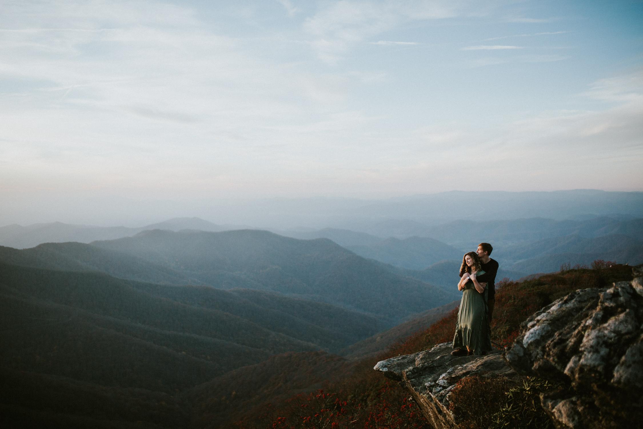 lovestoriesbyhalieandalec-asheville-wedding-photographers-33.jpg