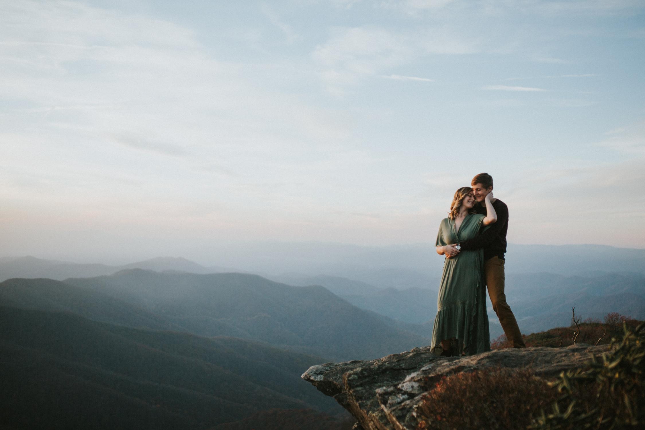lovestoriesbyhalieandalec-asheville-wedding-photographers-34.jpg