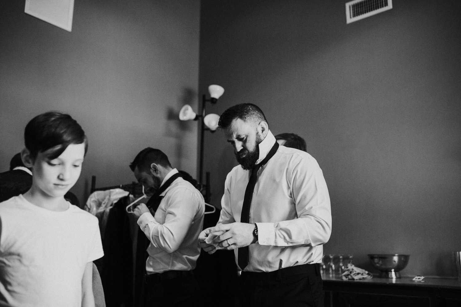 lovestoriesbyhalieandalec-columbus-wedding-photographer-4.jpg