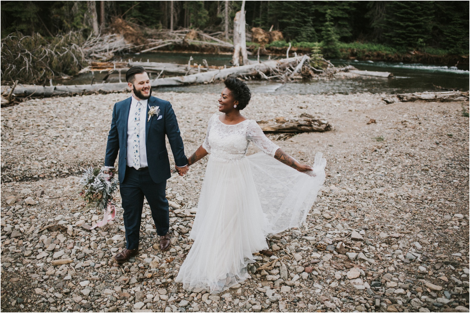 lovestoriesco-amber-phinisee-seattle-mount-rainier-elopement_0079.jpg