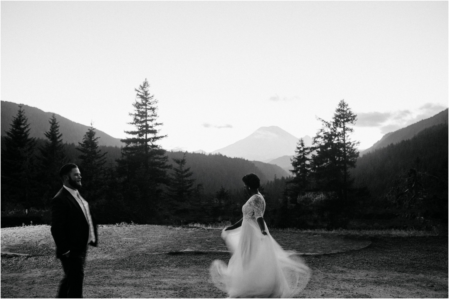 lovestoriesco-amber-phinisee-seattle-mount-rainier-elopement_0100.jpg
