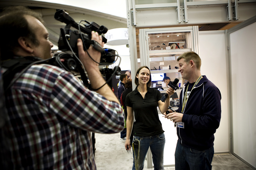 Luria Petruci (AKA Cali Lewis) GeekBrief TV interview with me at Mac World in 2009. Photo by Griffin Technology.