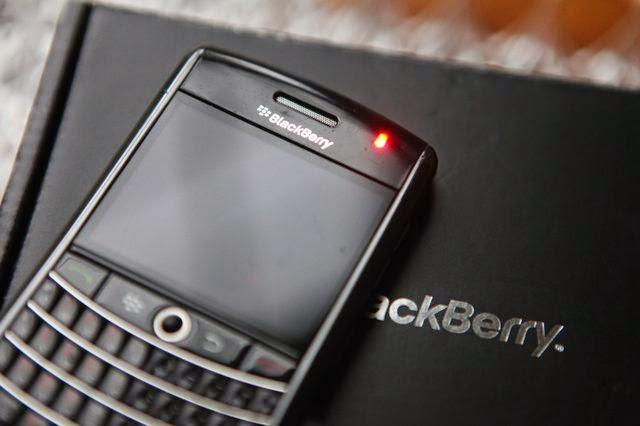 BlackBerry blinking notification red light