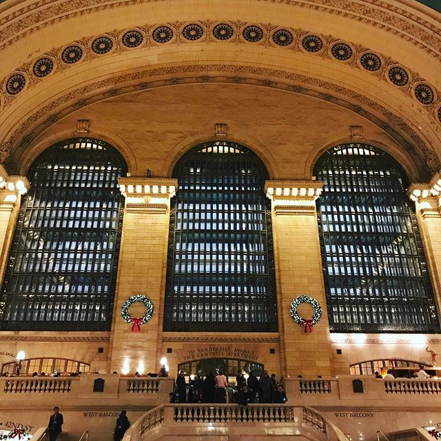 Grand Central is even more magical during the holidays. #nyc #holidays #grandcentral