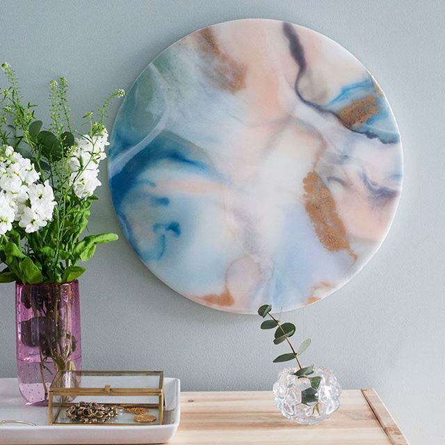 Thrilled to be exhibiting my new collection at @contemporaryartfairs this weekend with @sistergalleryltd! I'll be there tomorrow, come and say hello! 👋 . .| Rumour Has It | 40 cm diameter | 📷: @vicsjcampbell