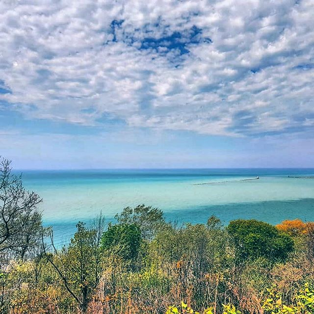 """Nope... not the Caribbean.. still here at home in Ontario"" - loving this shot from  @ritajane73 🌊 reminding us to celebrate World Oceans Day from our amazing ""inland seas"" - the magnificent Great Lakes! Share your explorations with us by using #loveyourgreats ✨"
