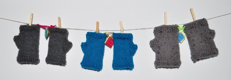 Seedy Fingerless Gloves - Acrylic