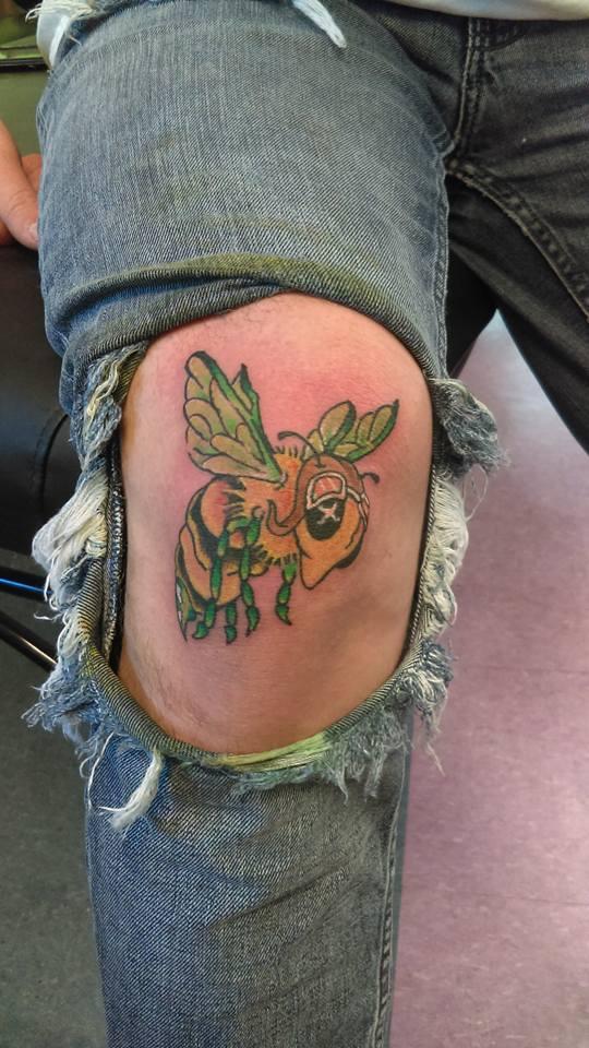 Bee Knee.jpg
