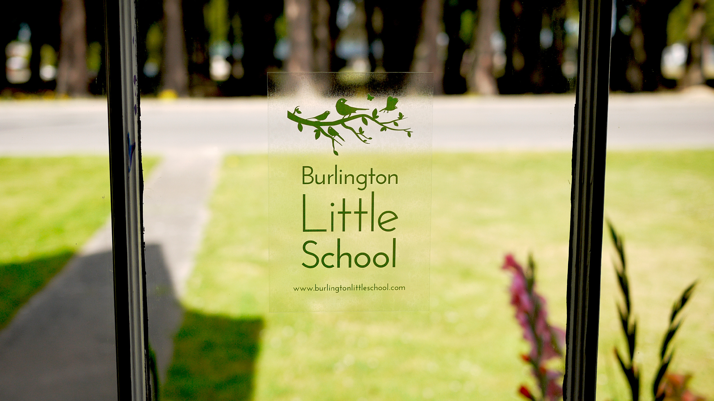 Burlington Little School static sticker