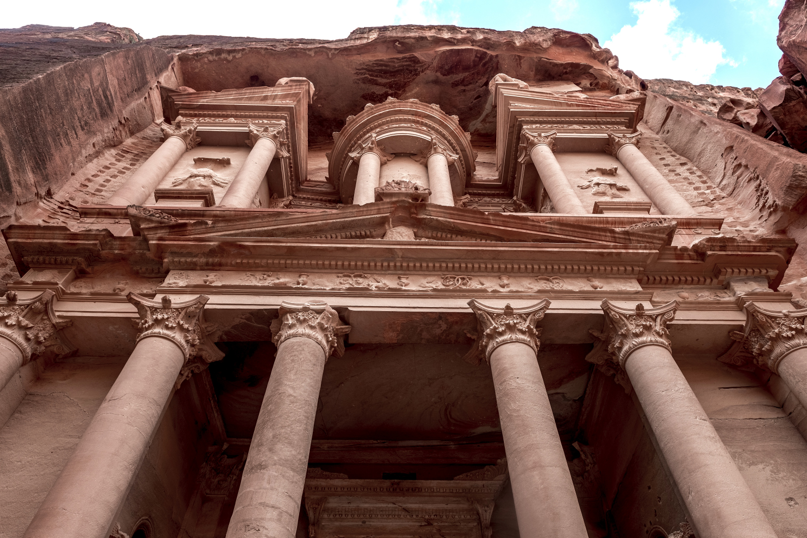 Petra - trading capital of the ancient nabateansOne of the new seven wonders of the world