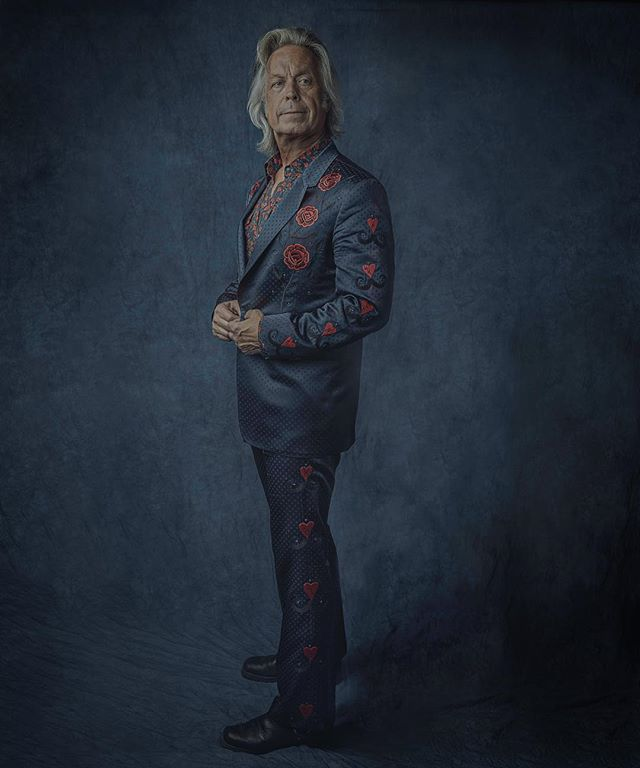 Jim Lauderdale, King of Broken Hearts, Godfather of Americana, multi-Grammy award winner, sartorial maverick, master of the slow-drawl quip, longtime practitioner of T'ai Chi, and all-around treasure of this town. His face belongs on a Nashville postage stamp for all he has done to keep this city real and vibrant, but until then I'm proud to post these promo photos we shot recently. @JimLauderdale1 #NashvilleCats #americanafest2018