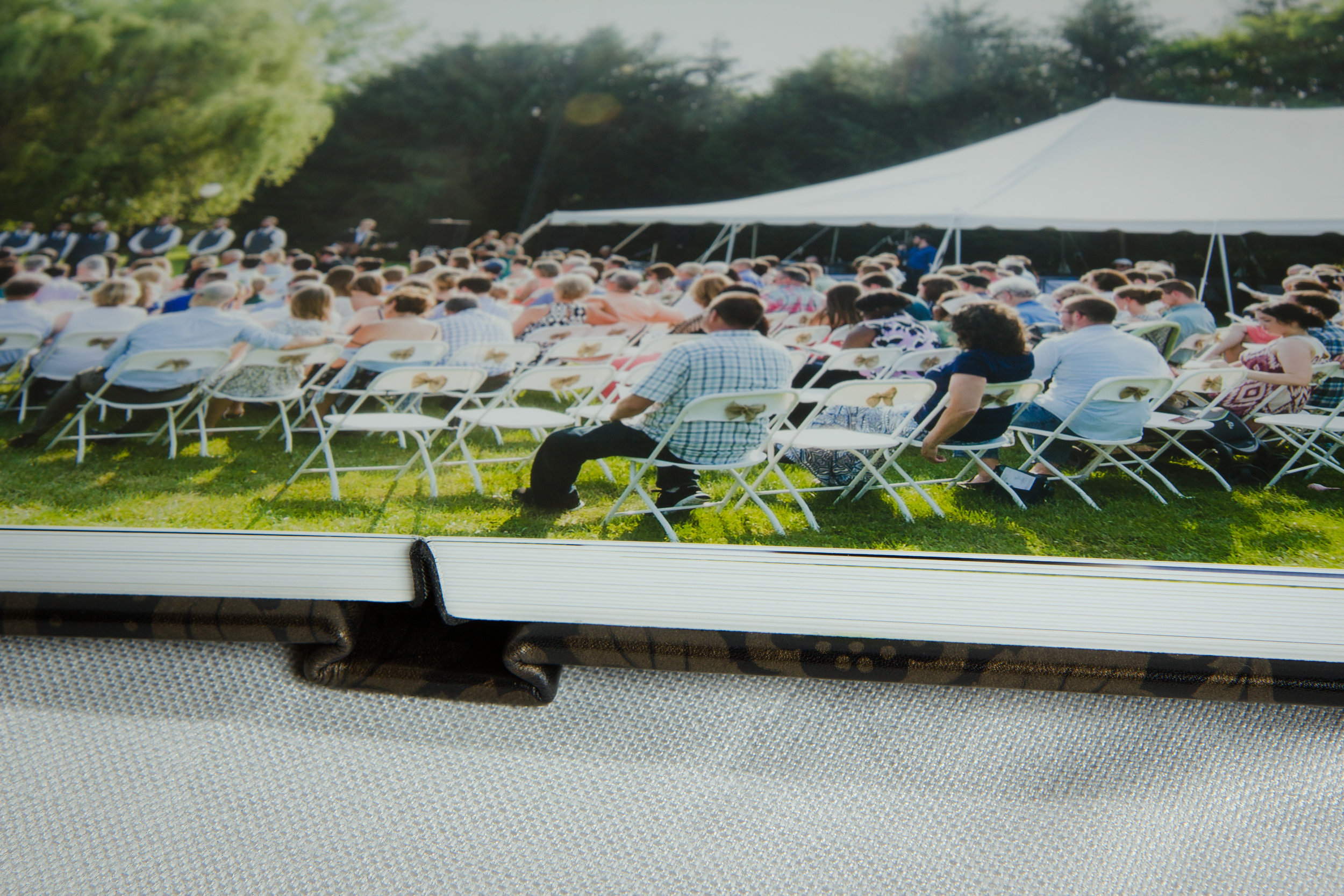 Heirloom photo albums are included in every Kniley Photography wedding collection.