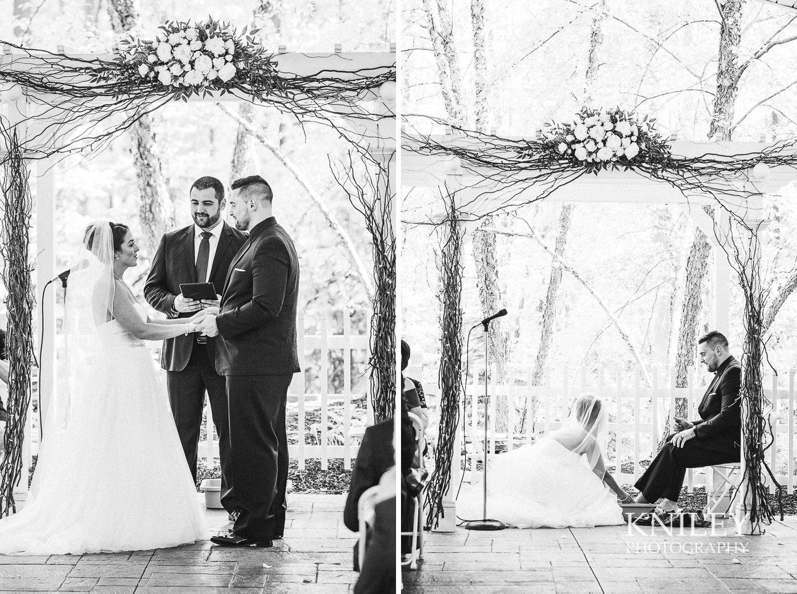 078 - Klocs Grove Buffalo NY Wedding Pictures 14.jpg