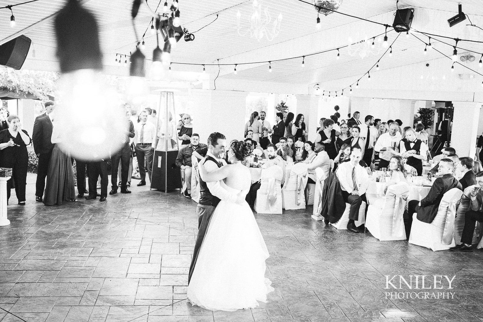 117 - Klocs Grove Buffalo NY Wedding Pictures -XT2A9053.jpg