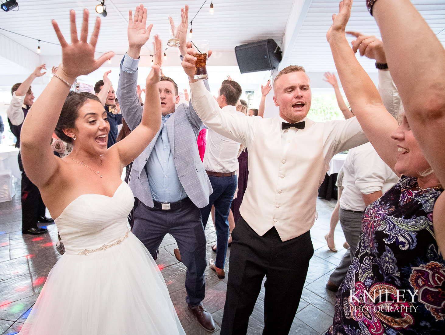 129 - Klocs Grove Buffalo NY Wedding Pictures -XT2B0041.jpg