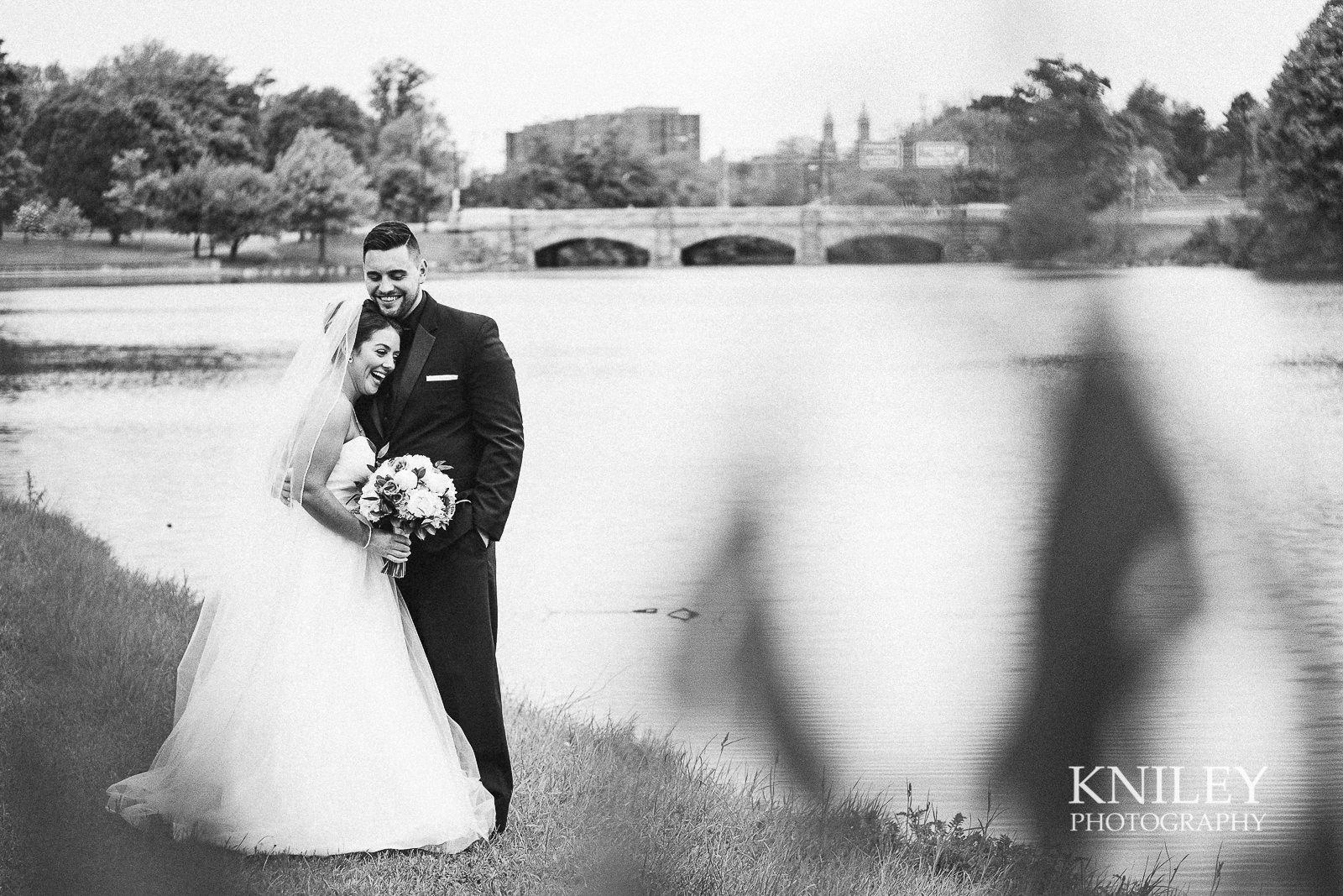 055 - Hoyt Lake Buffalo NY Wedding Pictures -XT2B8294.jpg