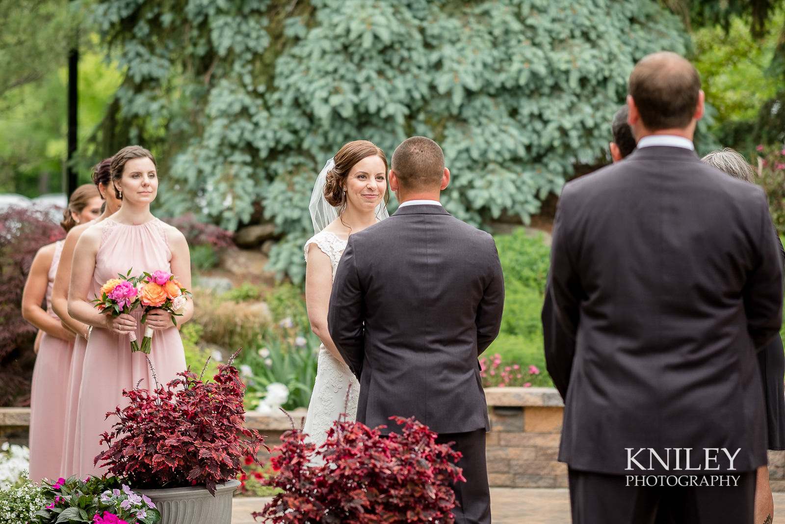055 - Ravenwood Golf Club wedding pictures - Rochester NY - Kniley Photography - XT2B0937.jpg