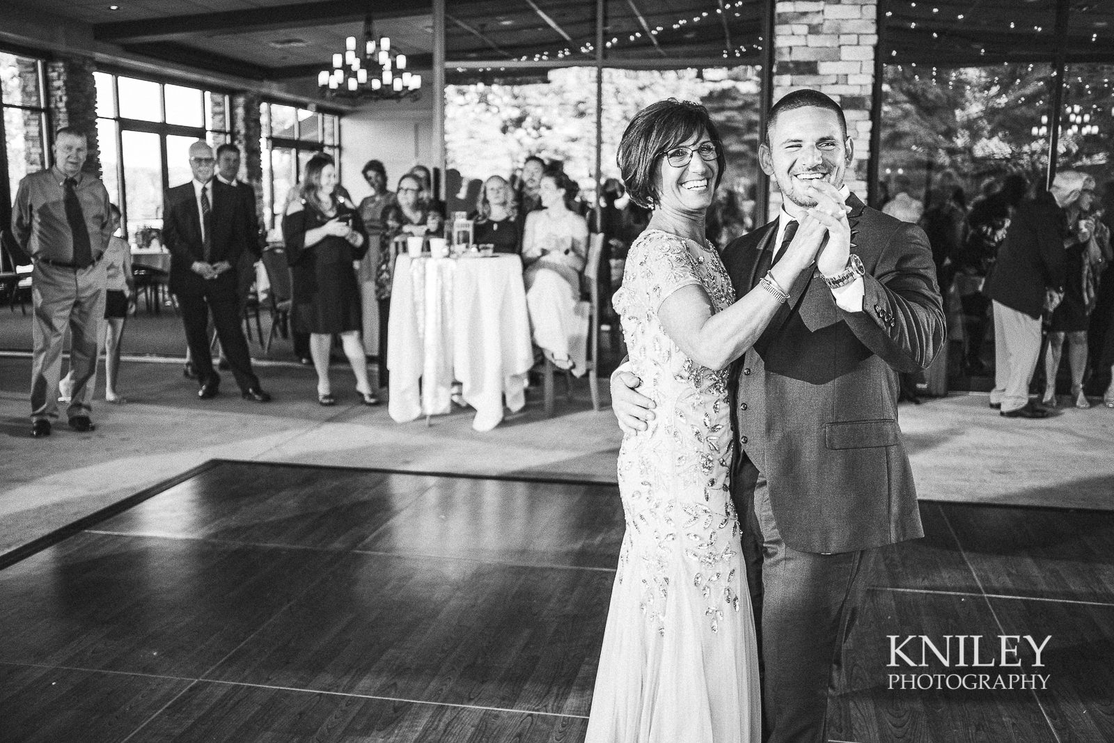 115 - Ravenwood Golf Club wedding pictures - Rochester NY - Kniley Photography - XT2A1458.jpg