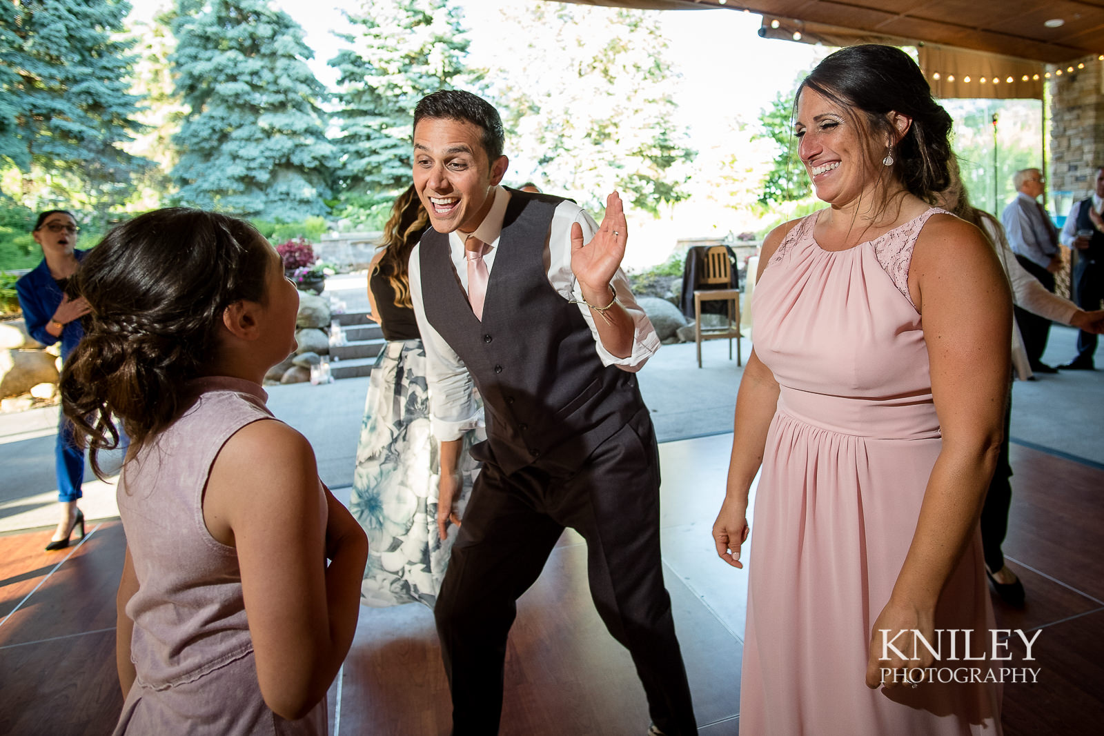 122 - Ravenwood Golf Club wedding pictures - Rochester NY - Kniley Photography - XT2B1922.jpg