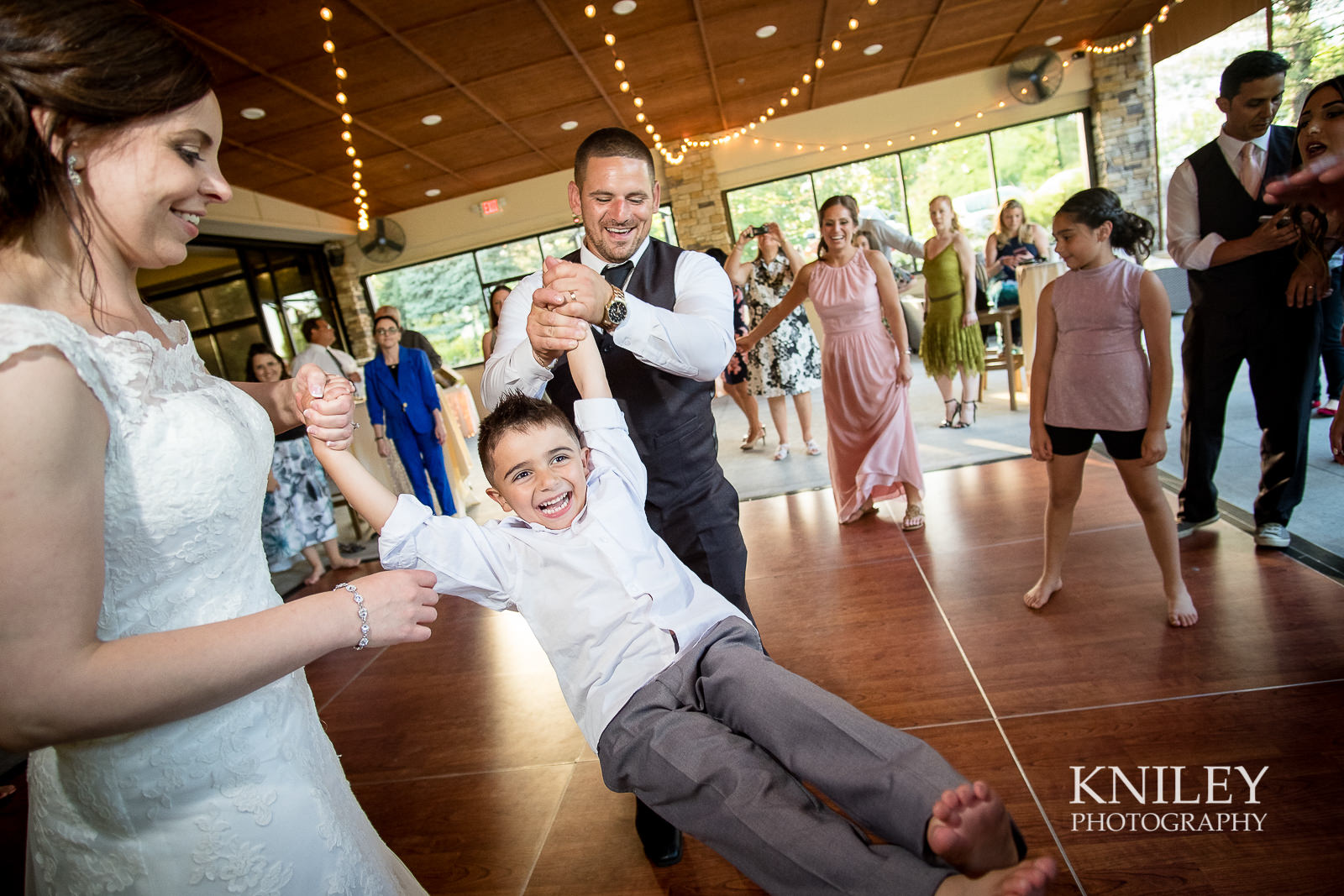 123 - Ravenwood Golf Club wedding pictures - Rochester NY - Kniley Photography - XT2B1957.jpg