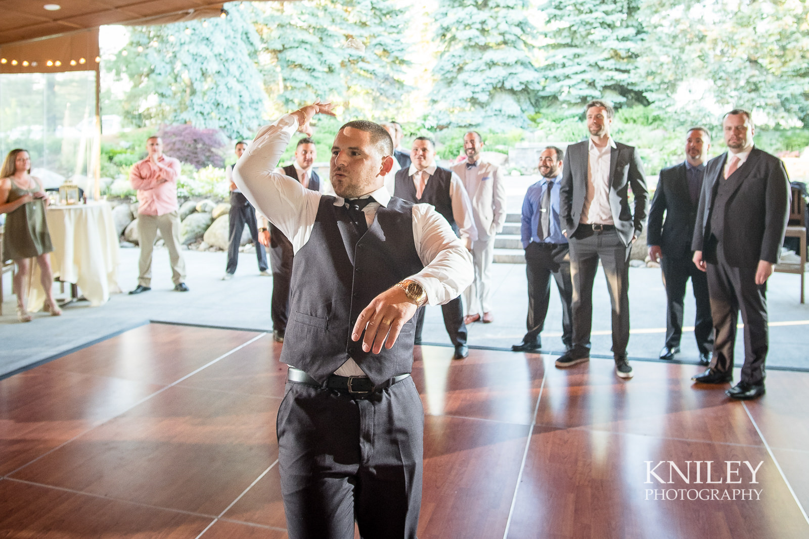 137 - Ravenwood Golf Club wedding pictures - Rochester NY - Kniley Photography - XT2B2134.jpg