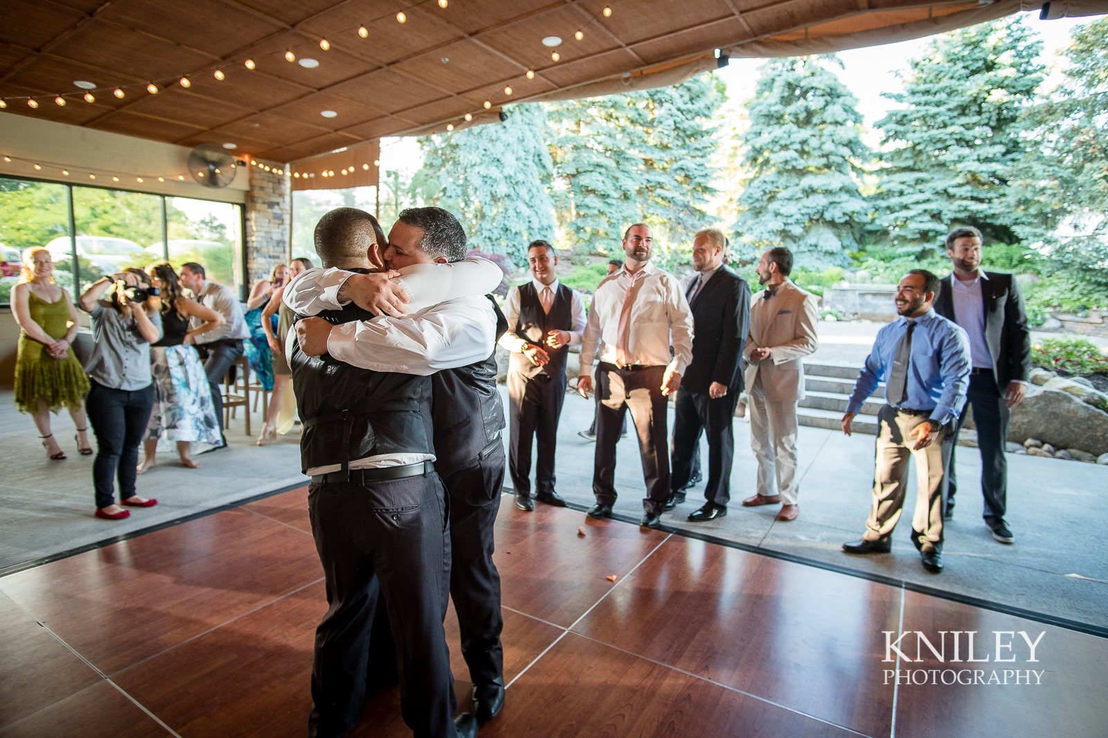 141 - Ravenwood Golf Club wedding pictures - Rochester NY - Kniley Photography - XT2B2161.jpg