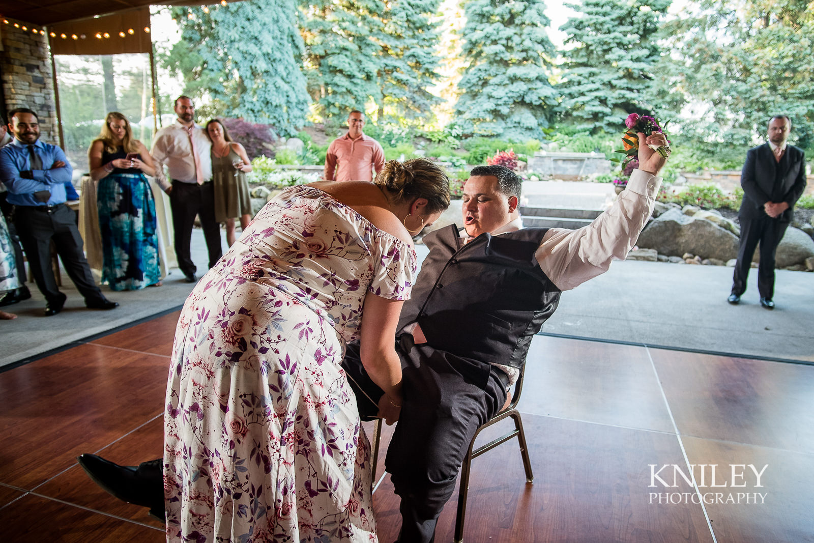 147 - Ravenwood Golf Club wedding pictures - Rochester NY - Kniley Photography - XT2B2213.jpg