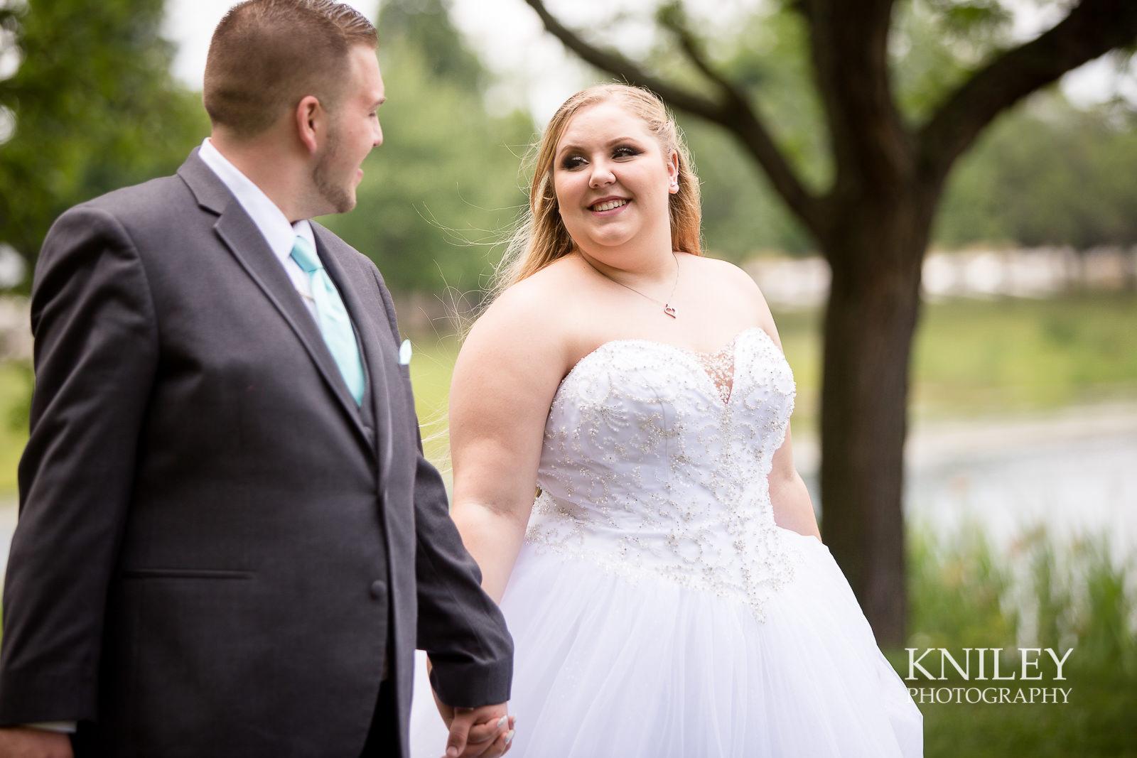 047 - North Ponds Park Wedding Picture - Webster NY - IMG_6915.jpg