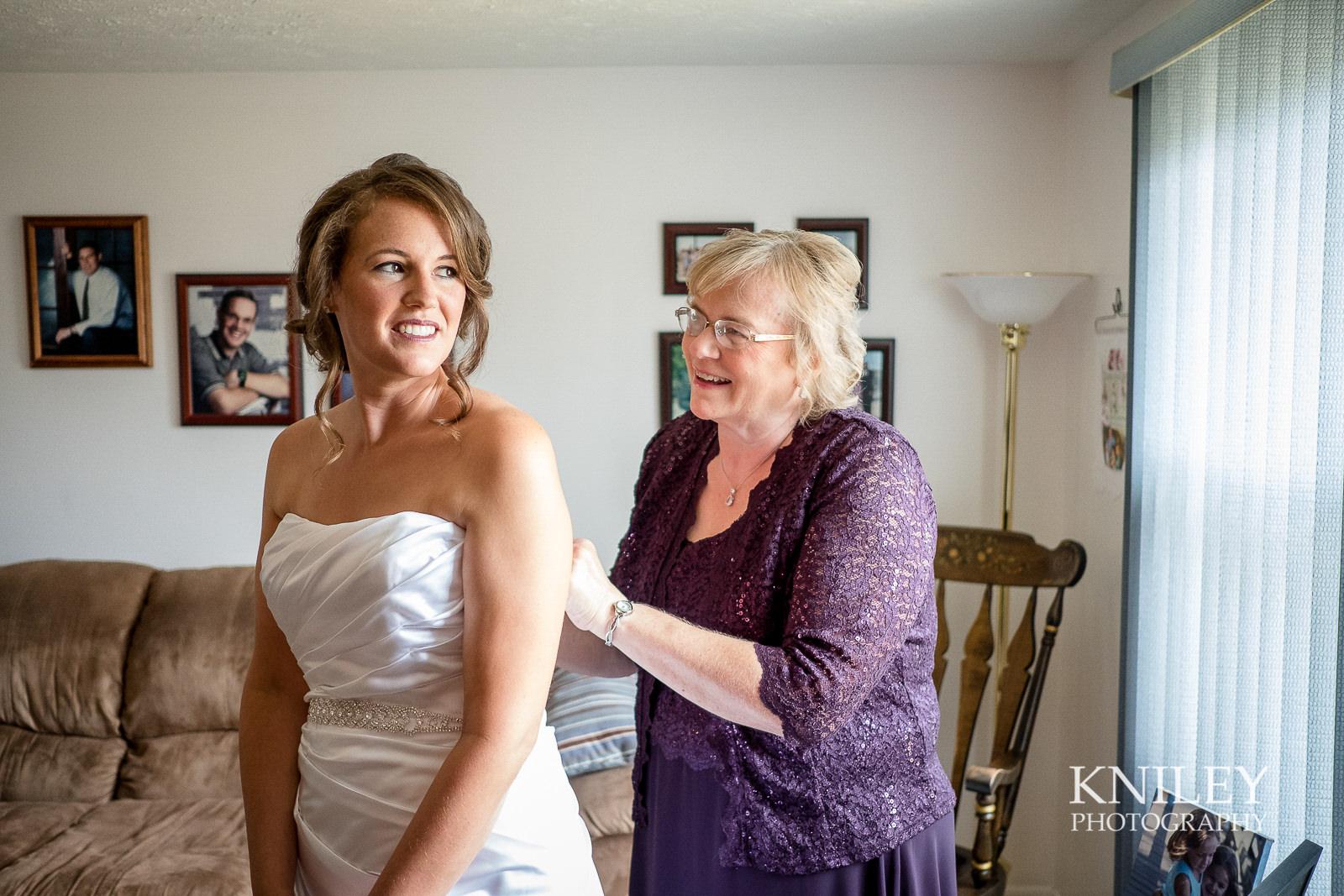 013 - St Josephs Park Wedding Picture - Rochester NY - XT2B9784.jpg