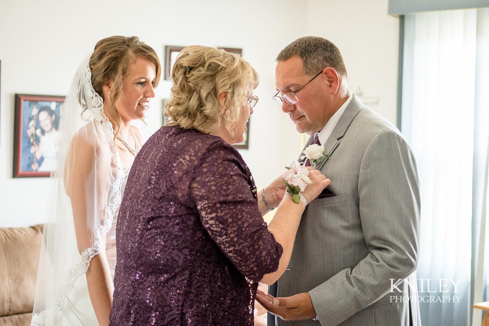 031 - St Josephs Park Wedding Picture - Rochester NY - XT2A0281.jpg