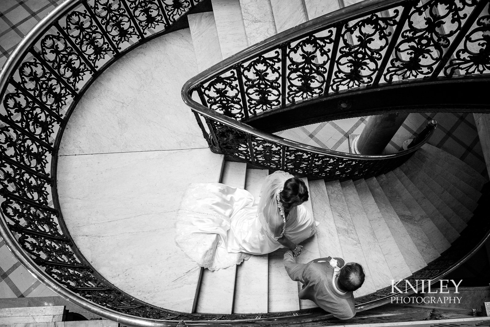 084 - Monroe County Office Building Wedding Picture - Rocheser NY - XT2A0838.jpg