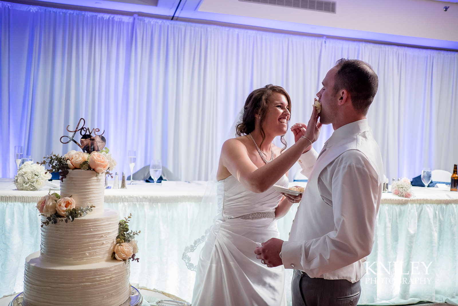 115 - Rochester Riverside Convention Center Wedding Photo - Rocheser NY - XT2A1205.jpg