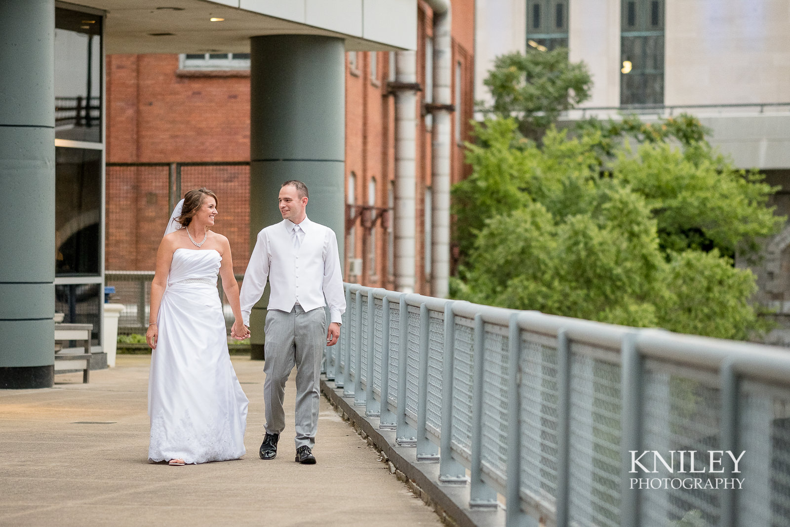 138 - Rochester Riverside Convention Center Wedding Photo - Rocheser NY - XT2A1378.jpg