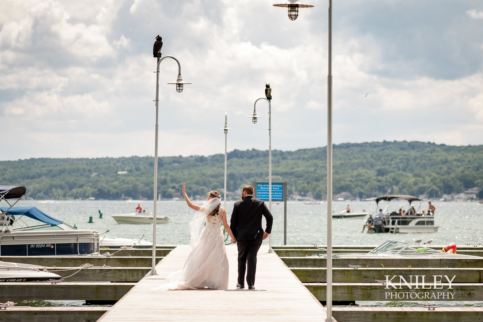 040 - Canandiagua NY wedding pictures - Kershaw Park - Canandiagua Lake - XT2B2500.jpg