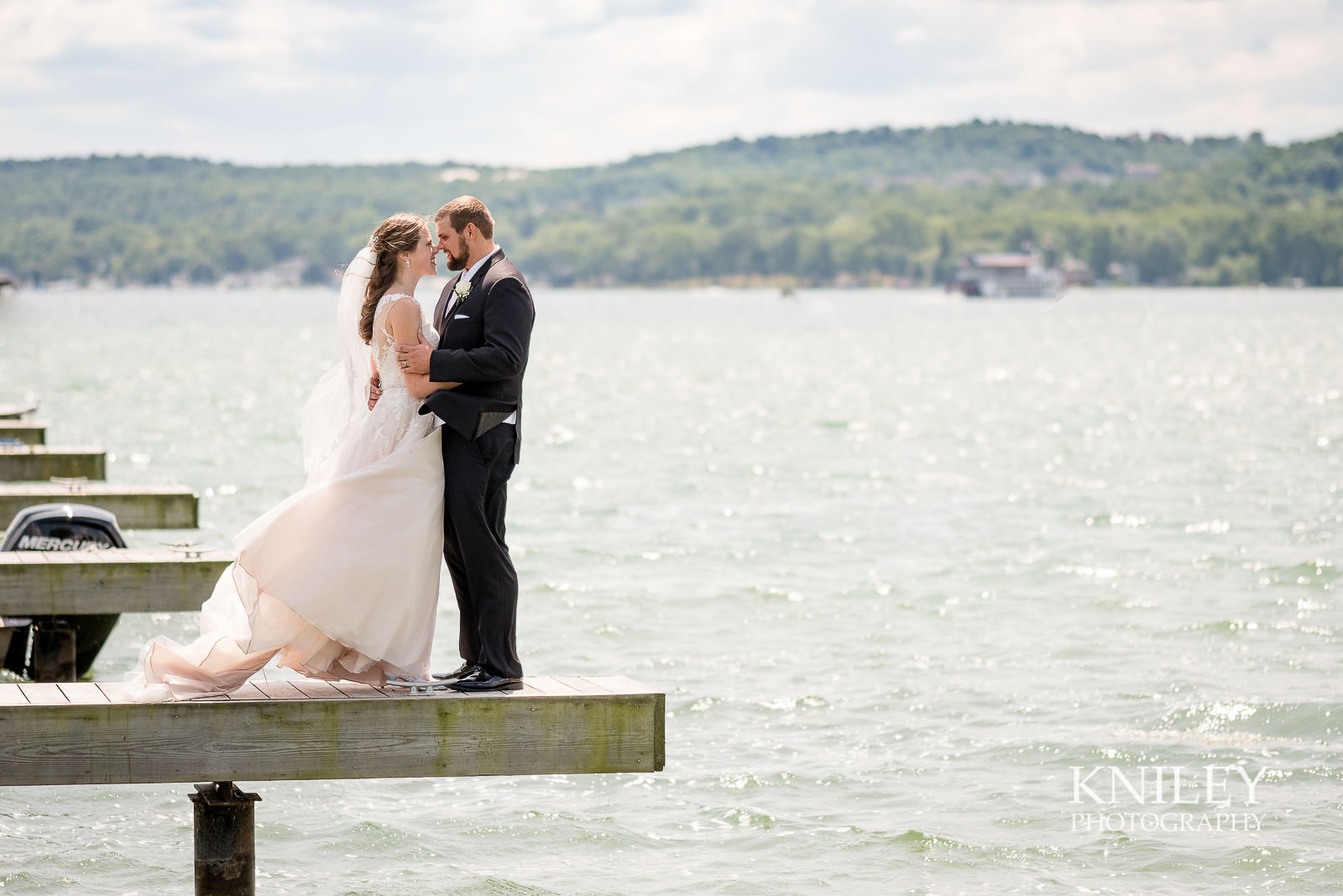 046 - Canandiagua NY wedding pictures - Kershaw Park - Canandiagua Lake - XT2B2675.jpg