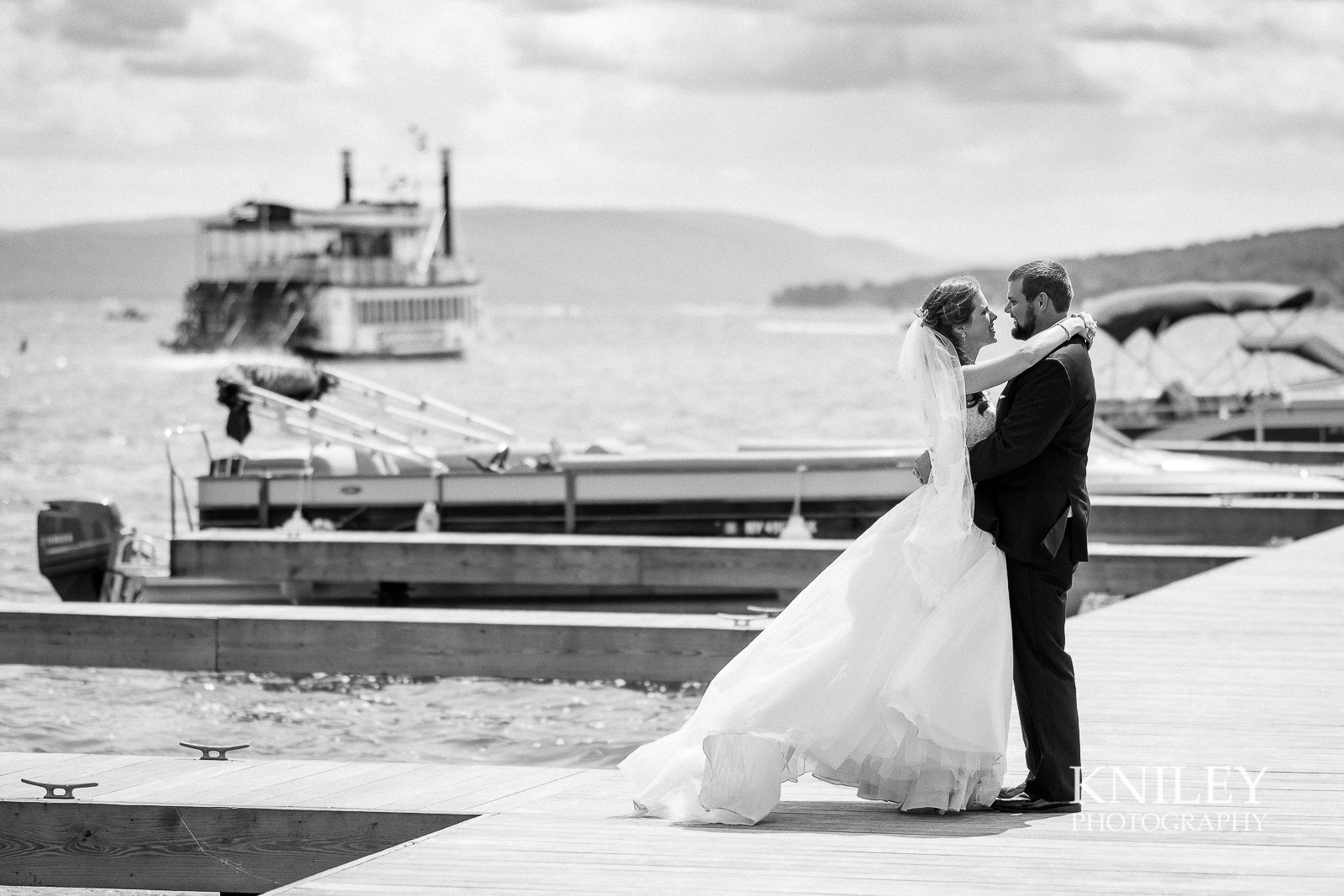 045 - Canandiagua NY wedding pictures - Kershaw Park - Canandiagua Lake - XT2B2608.jpg