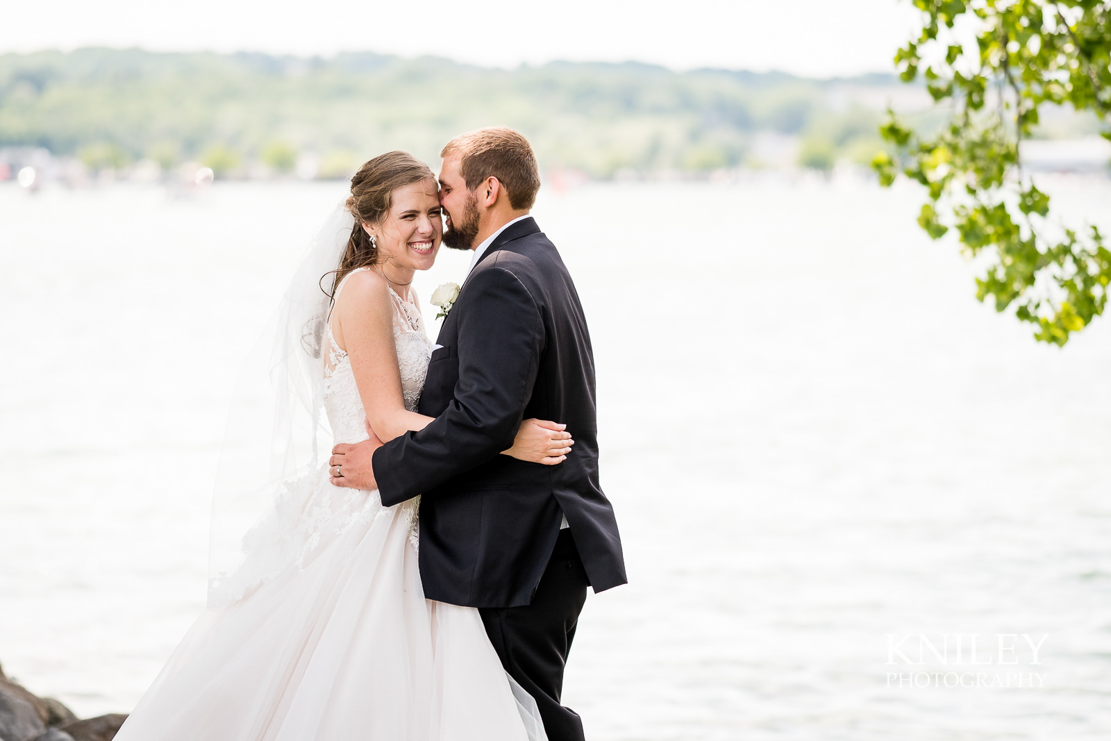 048 - Canandiagua NY wedding pictures - Kershaw Park - Canandiagua Lake - XT2B2732.jpg