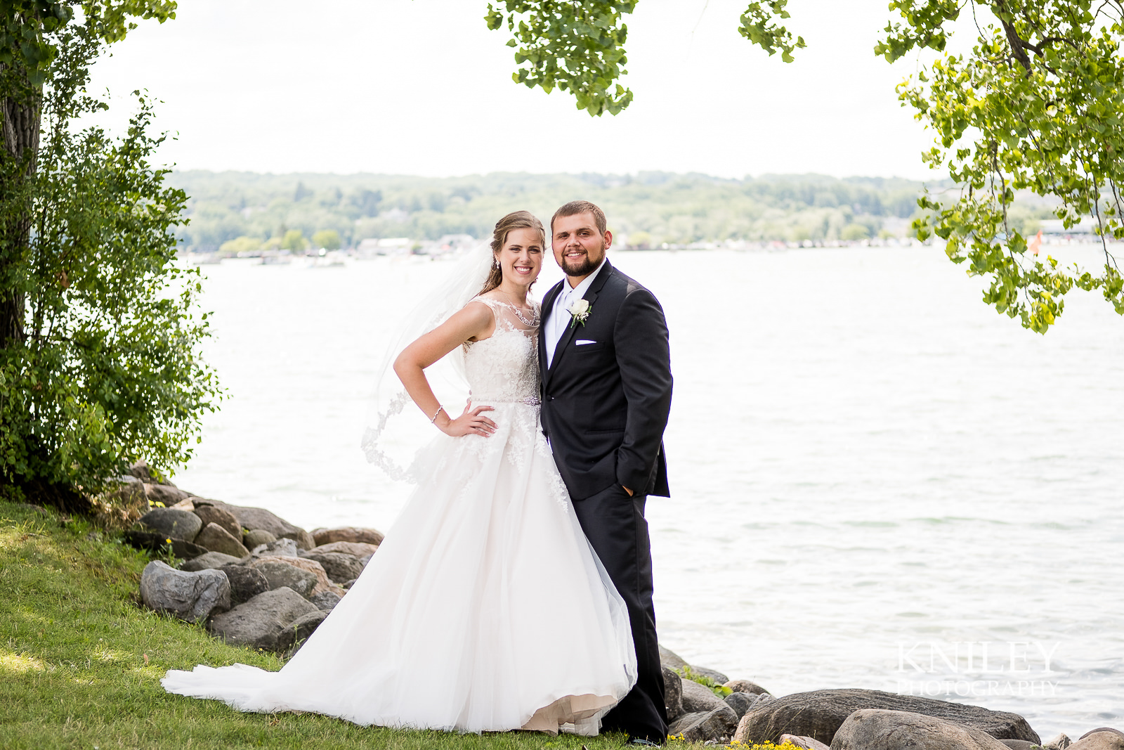 047 - Canandiagua NY wedding pictures - Kershaw Park - Canandiagua Lake - XT2A2464.jpg